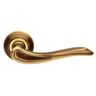 CLOE Lever Handle on Rose - B